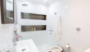 Ideje za majhne kopalnice, ki naredijo veliko razliko