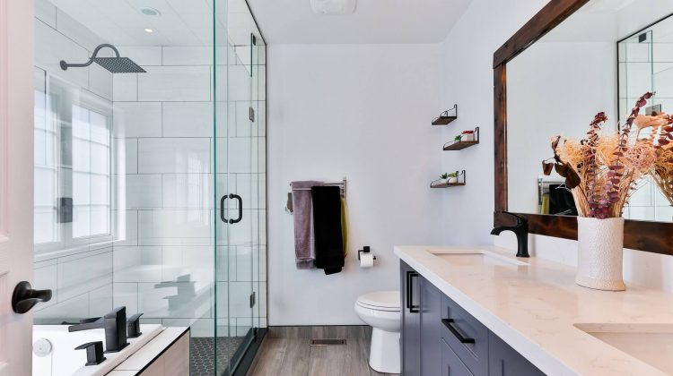 What does a woman's custom bathroom contain?